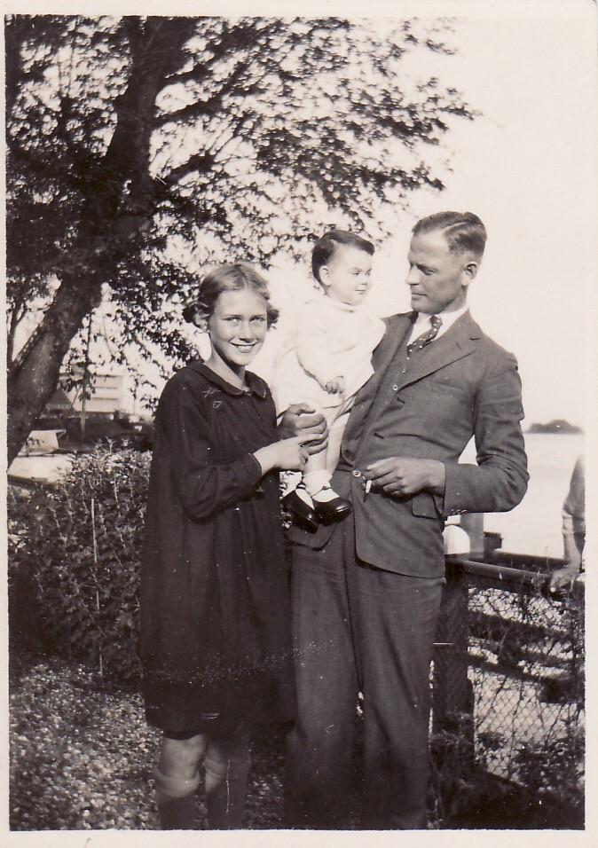 Collectie Marion Alberdingk Thijm-Aten. Marion, Hank (?) en Remmert Aten
